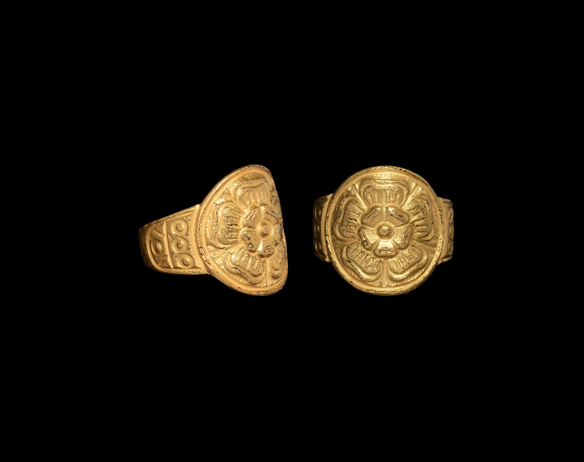 Elizabethan Gold Ring with Tudor Rose