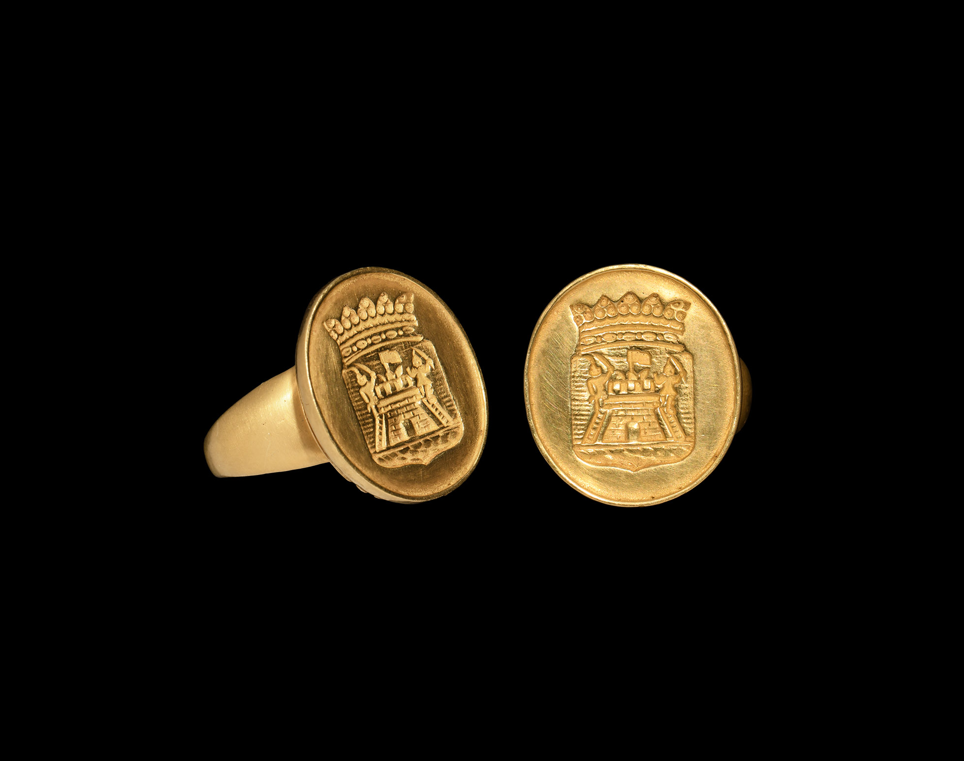 Georgian Gold Ring with Armorial Shield