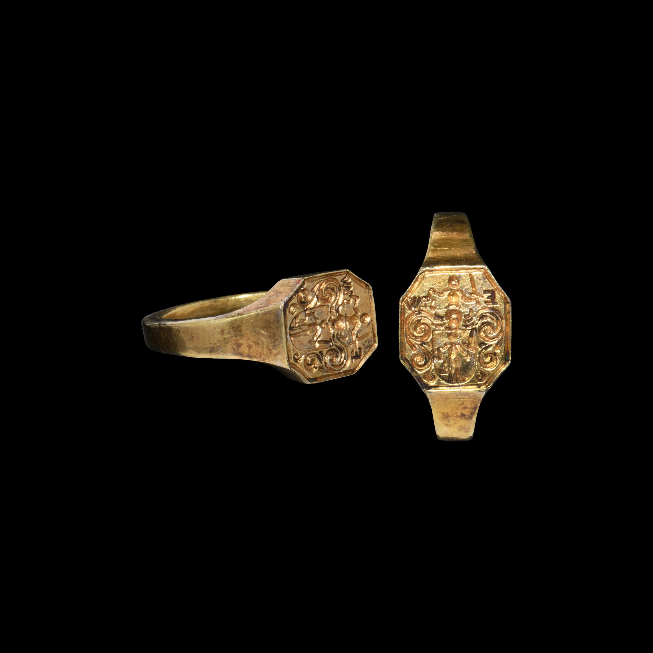 Jacobean or Carolean Era Gilt Silver Heraldic Signet Ring for E W