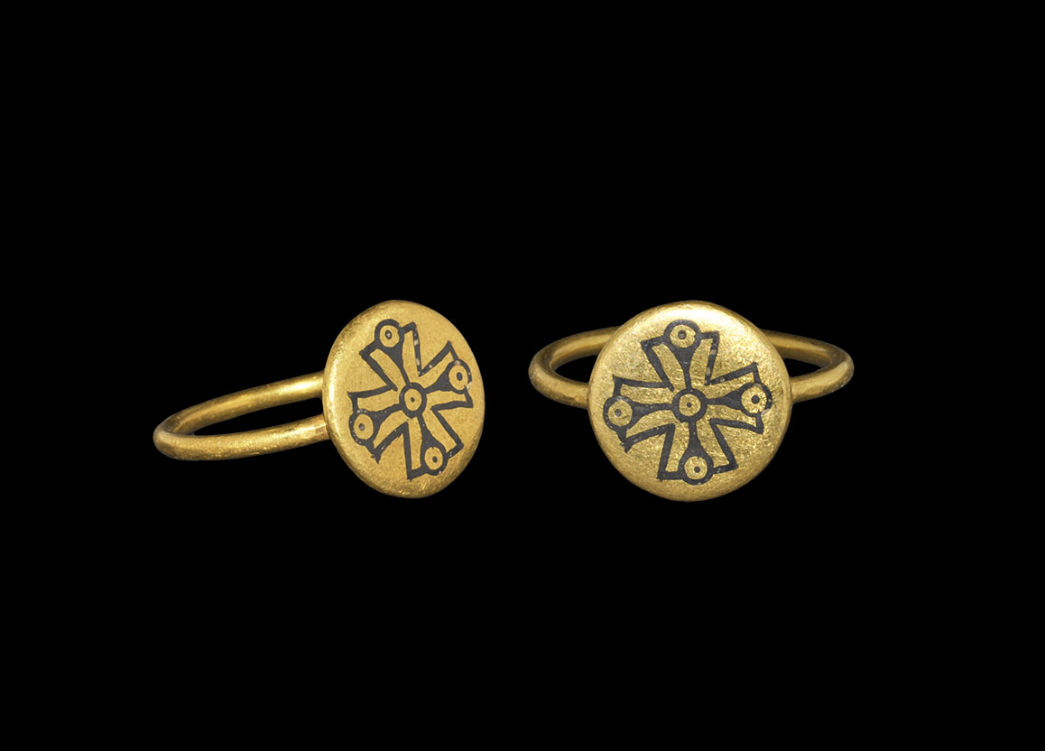 Post Medieval Gold Ring with Niello Cross