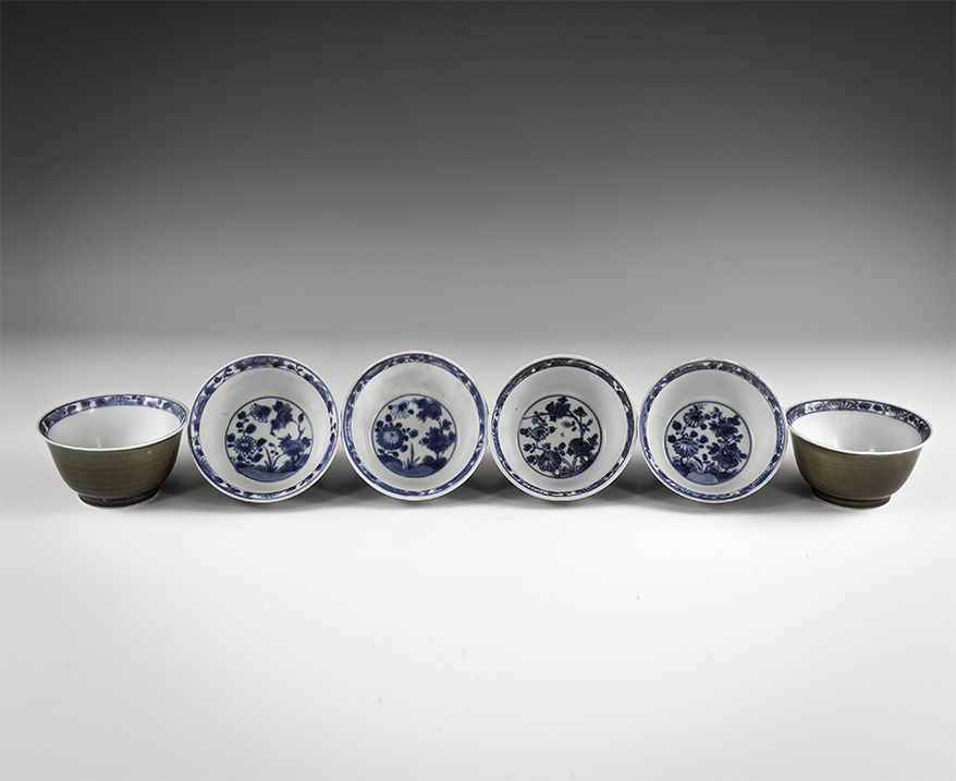 Chinese Brown Glazed and Blue and White Export Ware Bowl Set