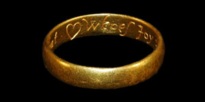 18th Century - Gold Inscribed Posy Ring - Hurt not that (heart) whoes Joy thou art