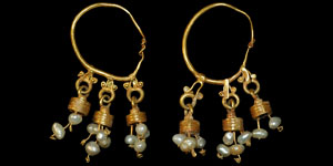 Byzantine - Gold Earrings with Pearl Drops