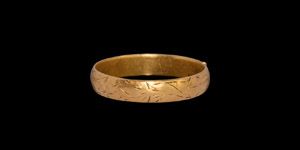 Post Medieval Gold Vertue Passeth Riches Posy Ring