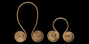 Bronze Age Gold Spectacle Pendant Pair