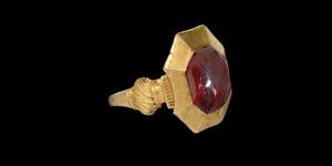 The Kingswood Medieval Plantagenet Gold Ring with Garnet