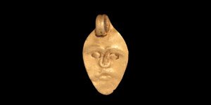 Roman Gold Pendant with Face