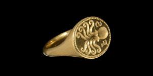 Jacobean or Carolean Era Merchants Glove Ring with Octopus