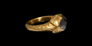 Elizabethan Gold and Rare Champagne Diamond Ring