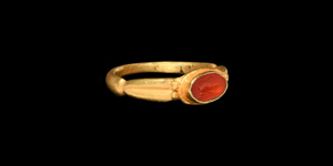 Gold Ring with Mouse Gemstone