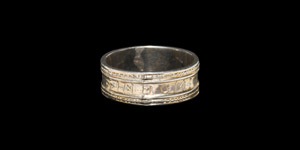 The Axminster Gilt Silver + IN DOMINO CONFIDO Posy Ring