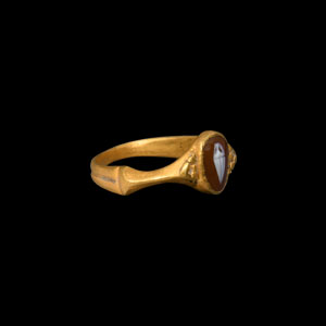 Gold Ring with Amphora Gemstone