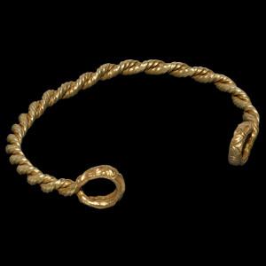 Iron Age Celtic Twisted Bar Bracelet with La Tène Terminals