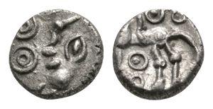 Atrebates and Regni - Commius - Moon Head Minim