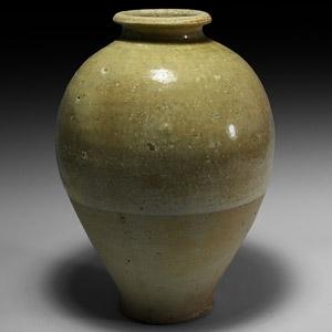 Chinese Tang Whiteware Vase
