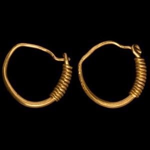 Heavy Gold Earring Pair