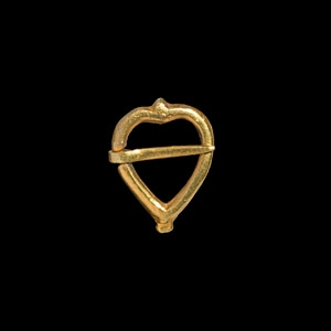 Gilt Heart-Shaped Ring Brooch