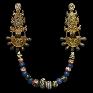 Gilt Radiate-Headed Brooch Set with Beads