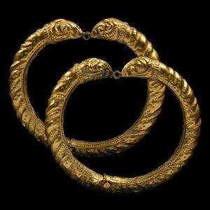 Achaemenid Gold Bracelet Pair with Rams Heads