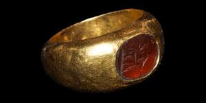 Roman Seated Figure Intaglio Gold Ring