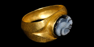 Roman Cameo Gold Ring