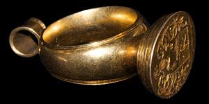 Post Medieval Georgian Gold Heraldic Pendant Seal