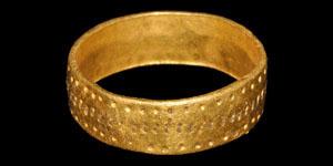 Medieval Gold Engraved Ring