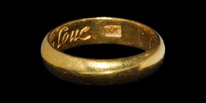Post Medieval God aboue keepe vs in loue Gold Posy Ring