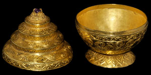 Near Eastern Gold Engraved Vessel With Lid