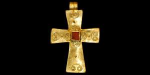 Byzantine Gold and Garnet Pendant Cross