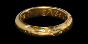 Post Medieval Not lost but gone before JS, Gold Posy Ring