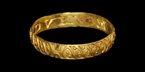 Post Medieval PATY DVRVM Decorated Gold Posy Ring