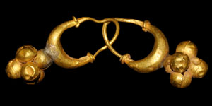 Bronze Age Gold Pendant Earrings