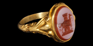 Post Medieval Gold Hunting Dog Intaglio Ring