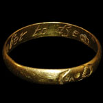 English 17th Century - Inscribed Gold Memorial Ring