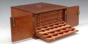 Coin Cabinet - Mahogany - 14 trays