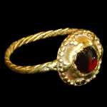Roman - Gold Ring with Cabochon Garnet