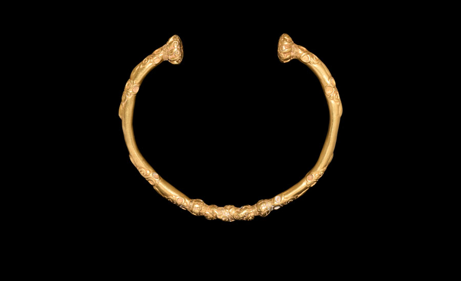 Lot 0424: Celtic Gold Bracelet with Zoomorphic Ornament £20,000 - £30,000
