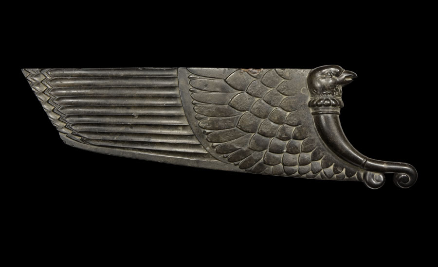 Lot 0384: Western Asiatic Carved Eagle Wing Inlay £8,000 - £10,000