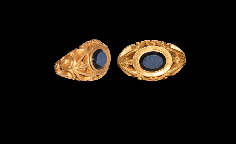 Roman Gold Ring with Nicolo Gemstone