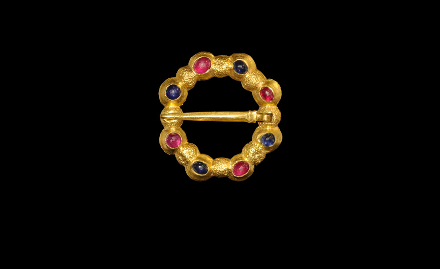 Gold Jewelled Annular Brooch