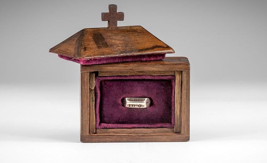 Joan of Arc Devotional Ring with Casket and Documents - Sold for: £297,600