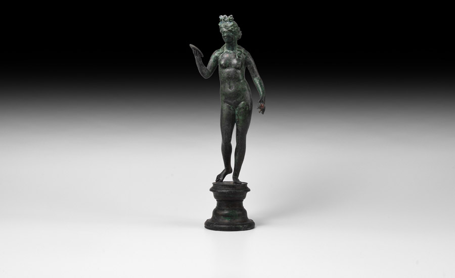Roman Fine and Important Bronze Statuette of Venus