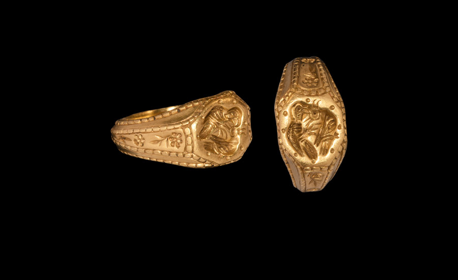 Medieval Gold Bird of Prey Signet Ring
