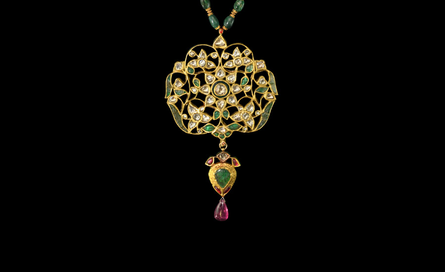 Moghul Emerald and Diamond Necklace £3,000-£4,000