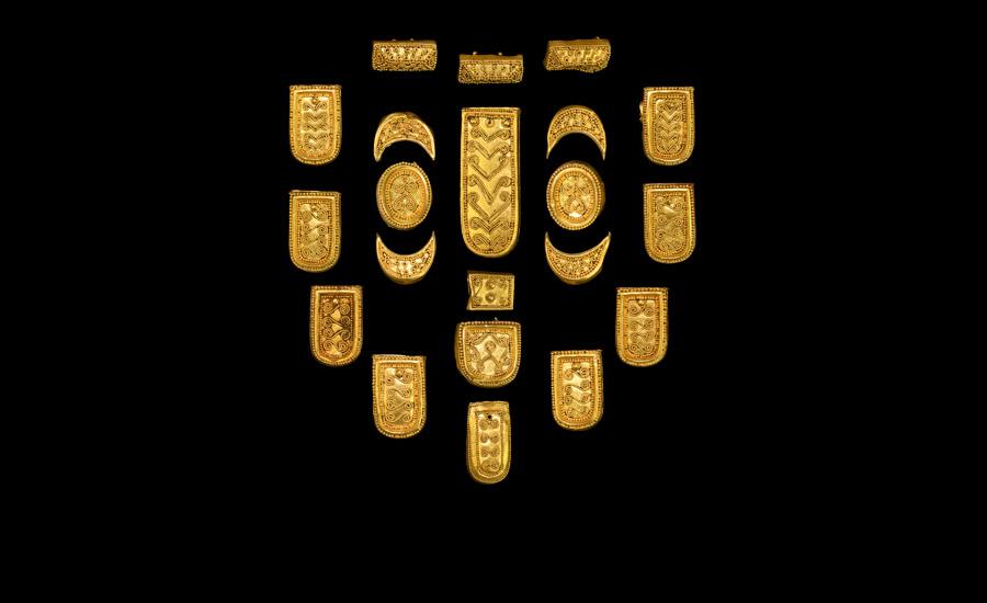Viking Gold Belt Fitting Set £5,000-£7,000