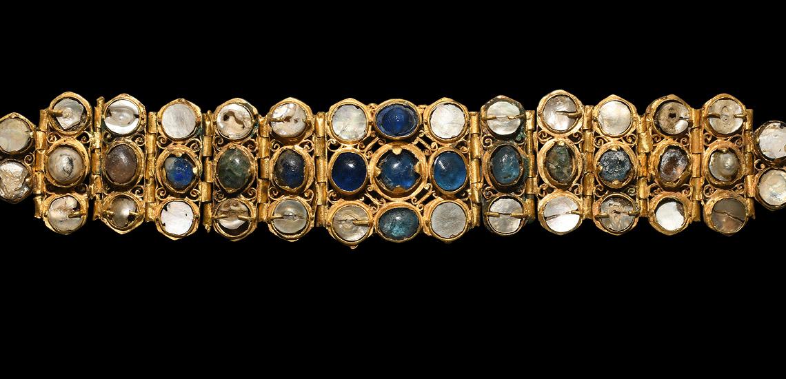Byzantine Jewelled Bracelet £10,000 - 14,000