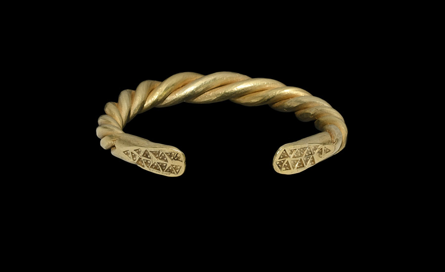 Heavy Scandinavian Viking Gold Twisted Bracelet £10,000-£14,000