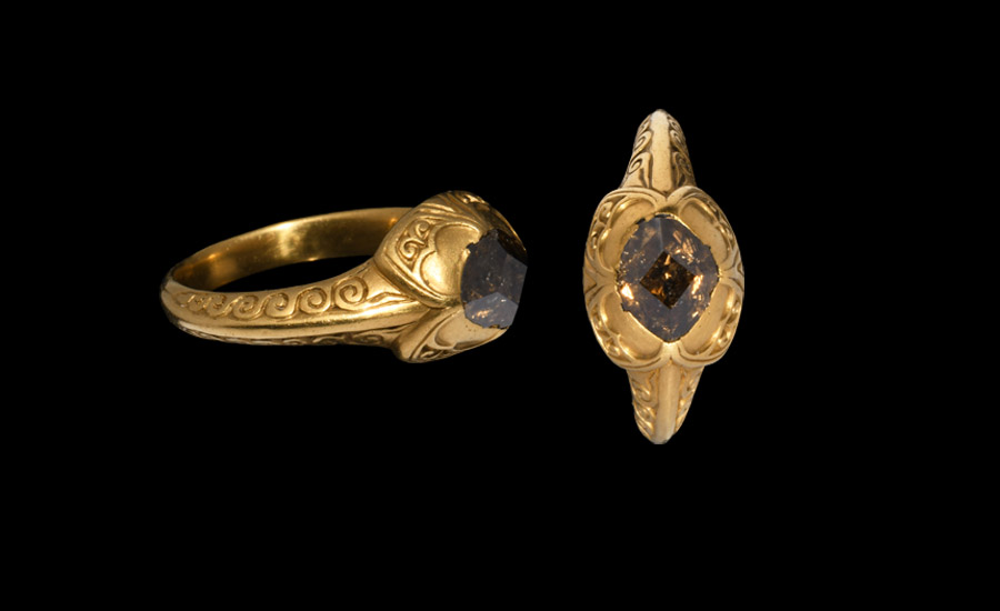 Elizabethan Champagne Diamond Ring £6,000 - 8,000