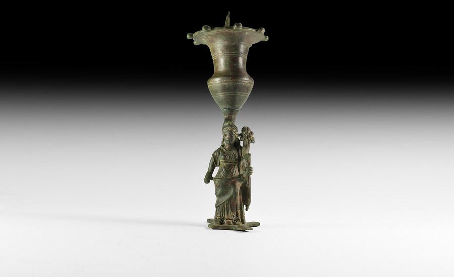 Roman Fortuna Lamp £5,000 - 7,000